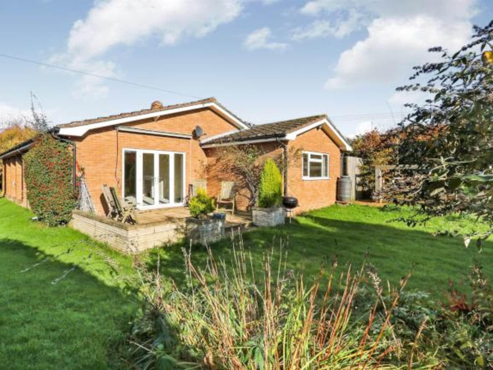 Housesitting assignment in Attleborough, United Kingdom