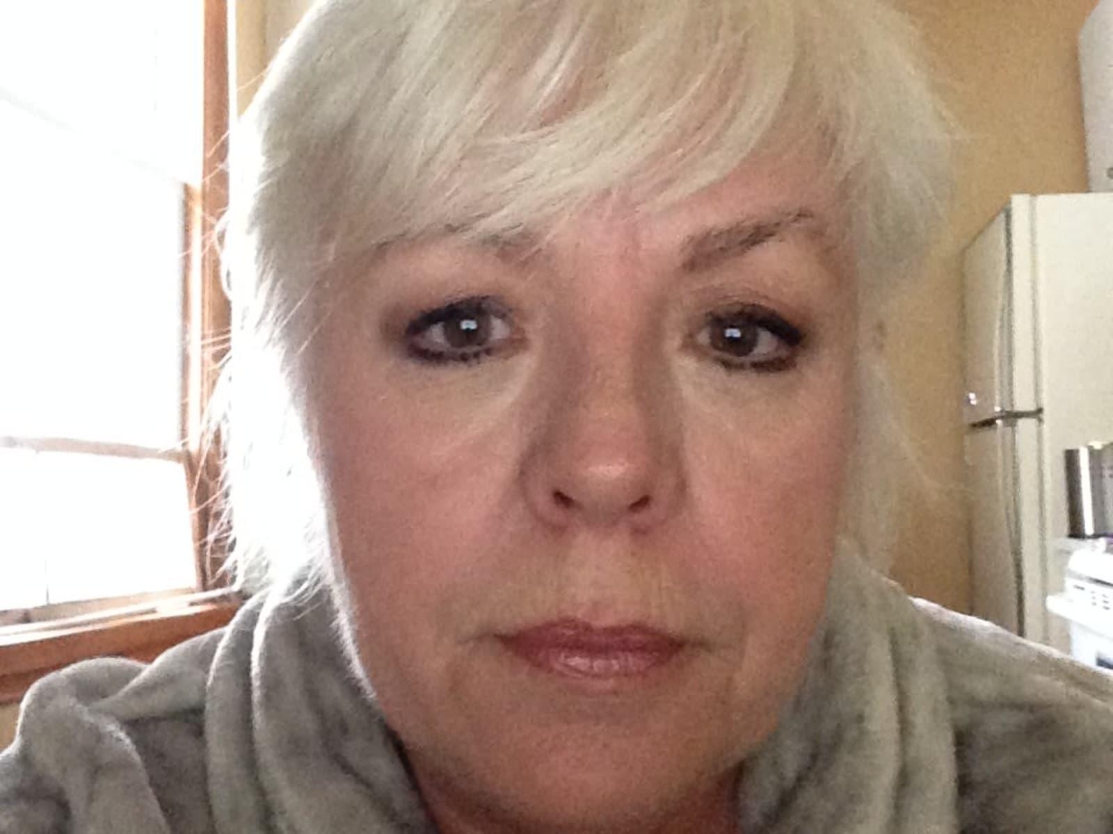 Sue from Wellington, Ontario, Canada