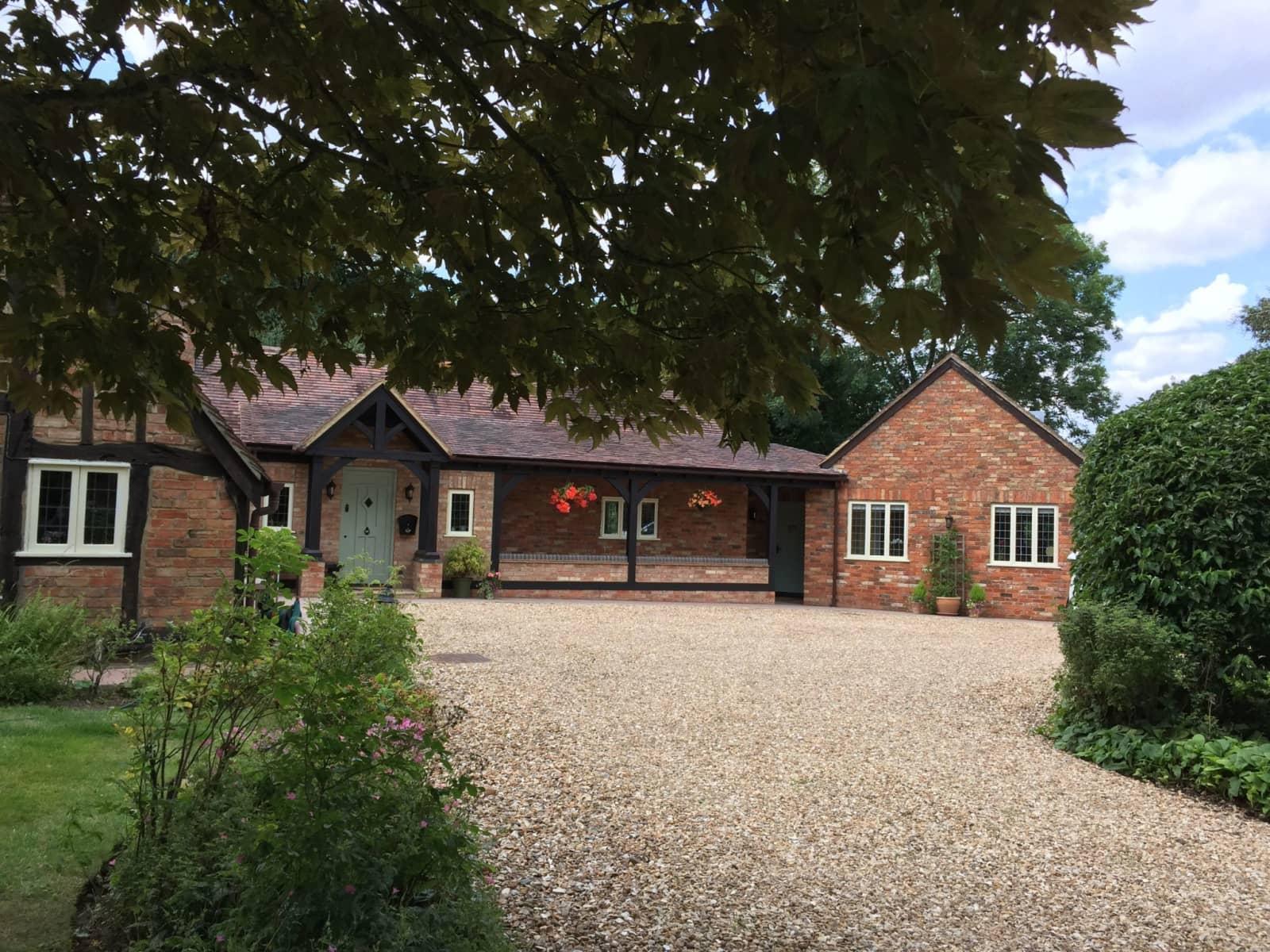 Housesitting assignment in North Crawley, United Kingdom