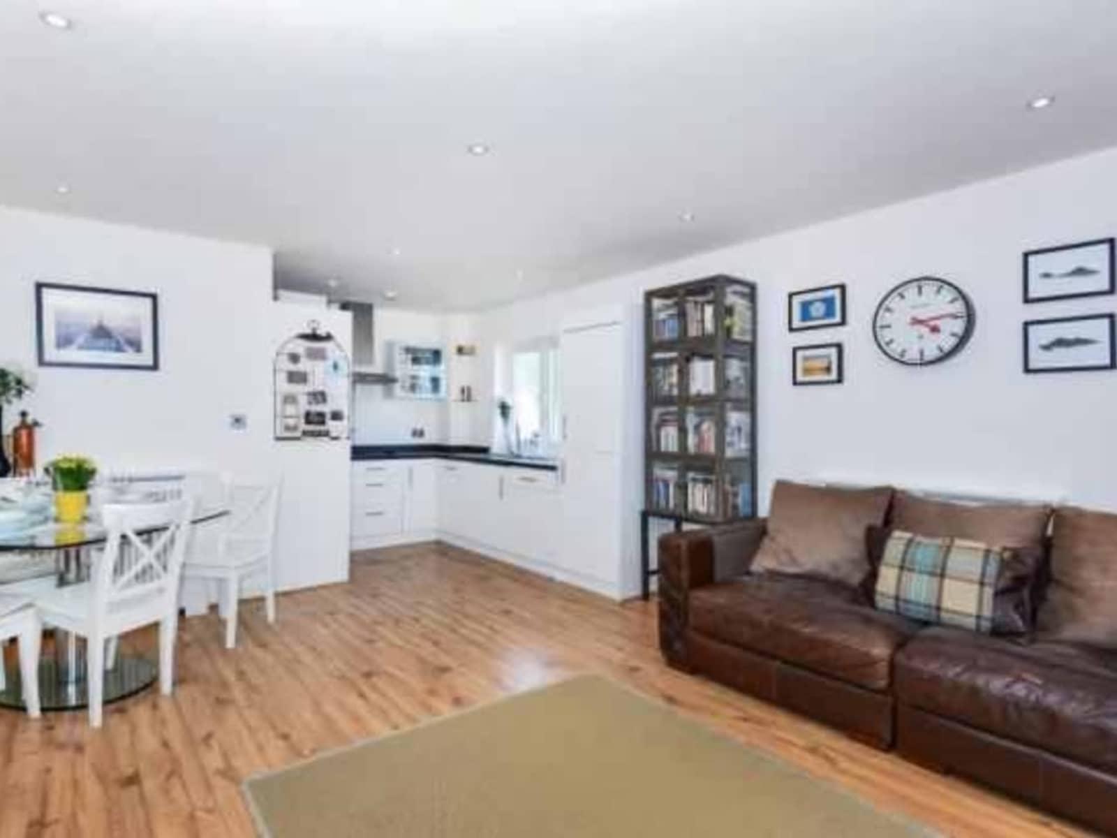 Housesitting assignment in Surbiton, United Kingdom