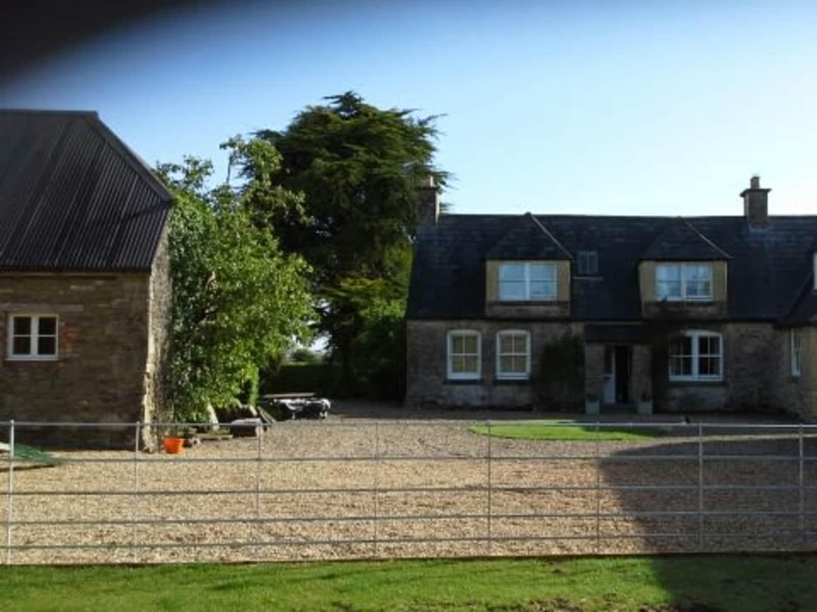 Housesitting assignment in Royal Wootton Bassett, United Kingdom