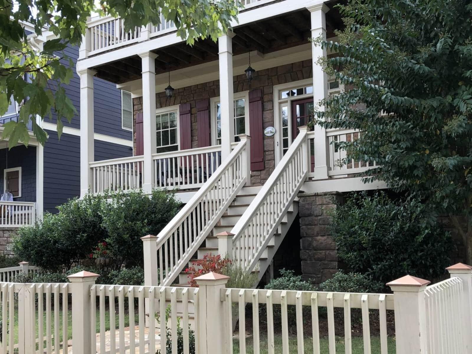 Housesitting assignment in Smyrna, Georgia, United States