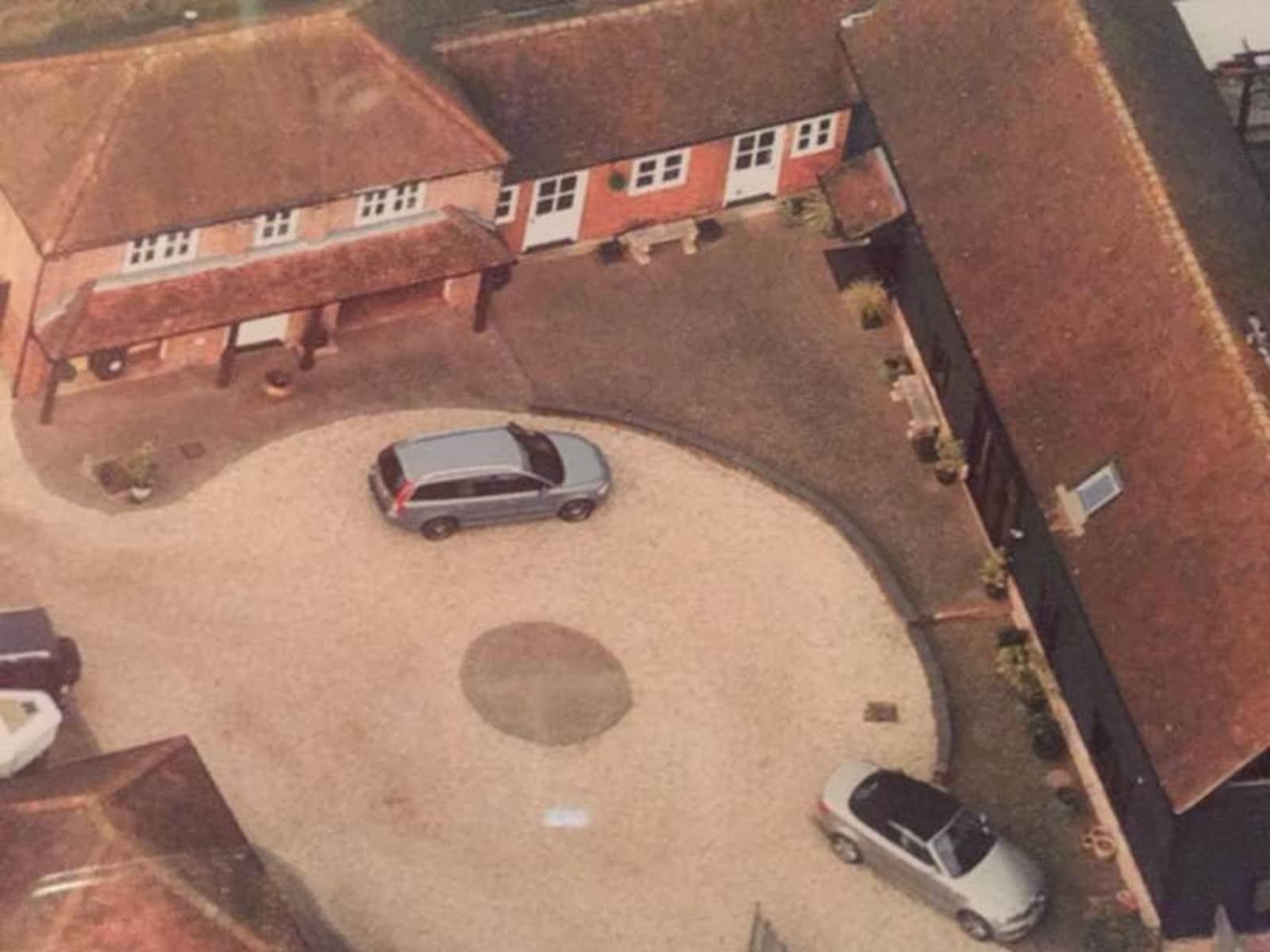 Housesitting assignment in Tadley, United Kingdom