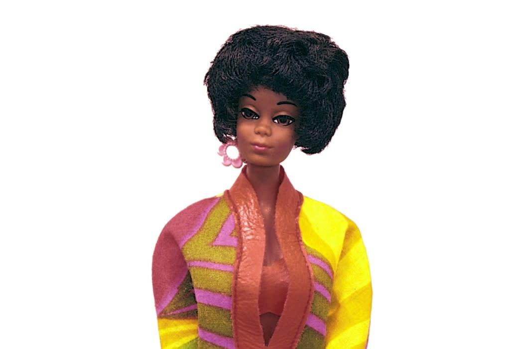 svarta lesbiska sugande bröst vårtor