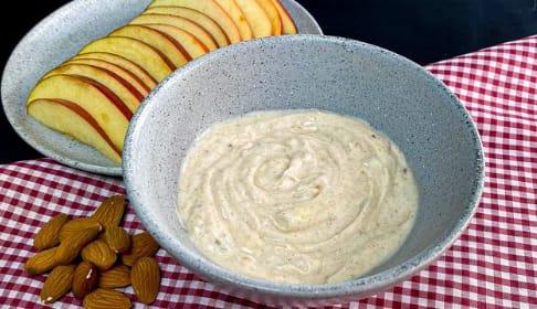 Dip de yogurt y manzana