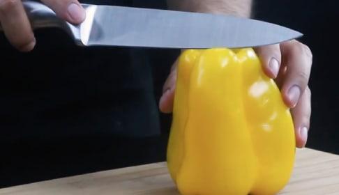 Cómo cortar un pimiento en julianas