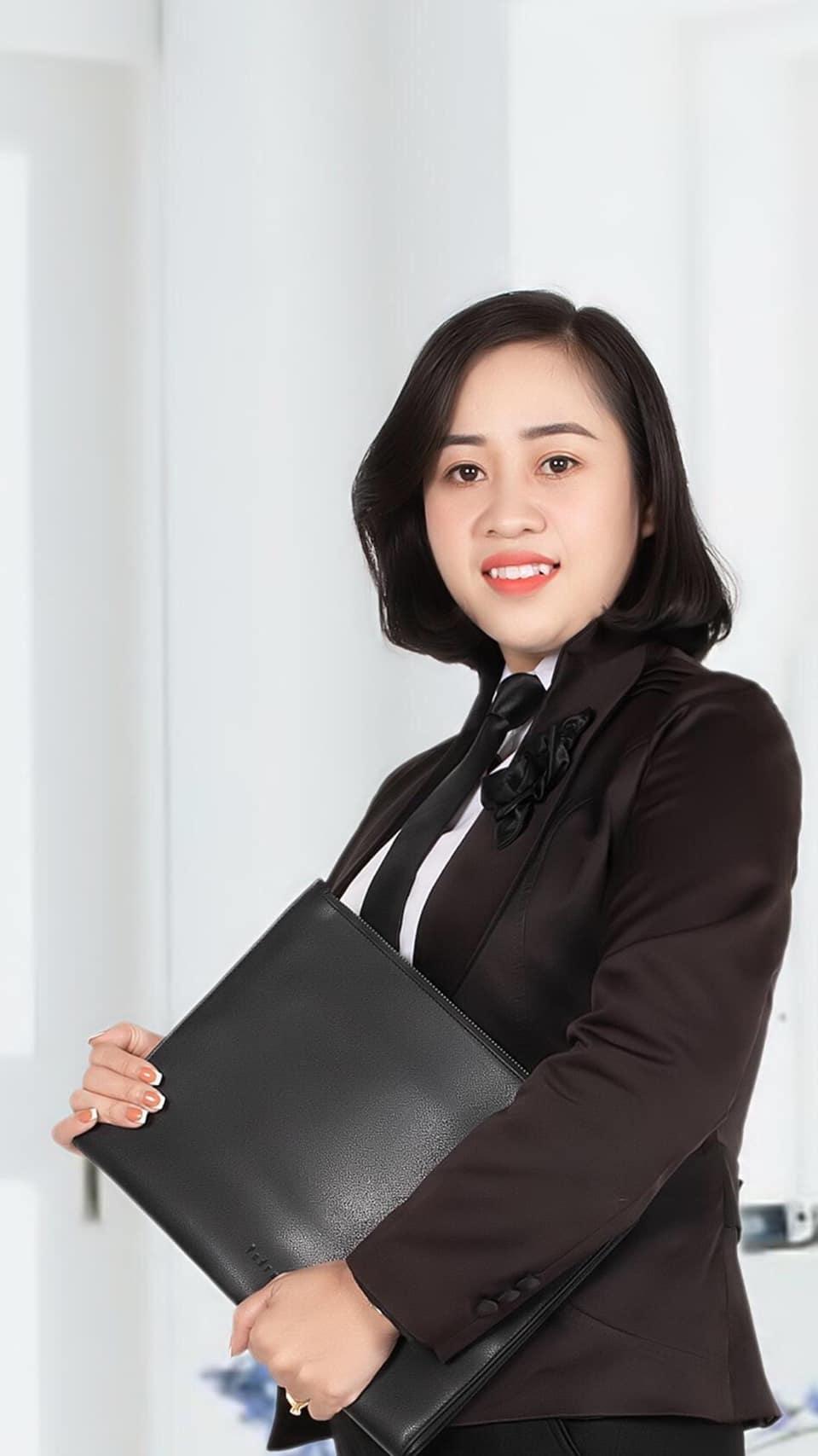 Chuyên viên Lê Thúy Lan Anh