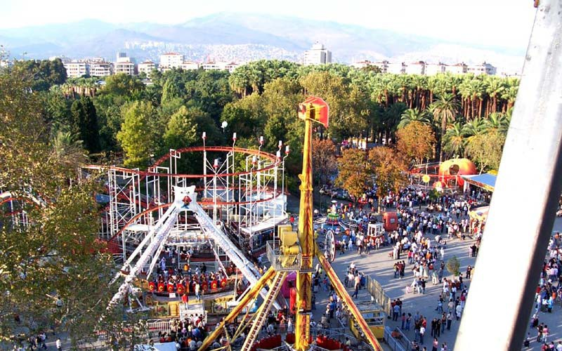 Izmir-Fuar-Lunapark