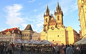 Prag-Saat-Kulesi
