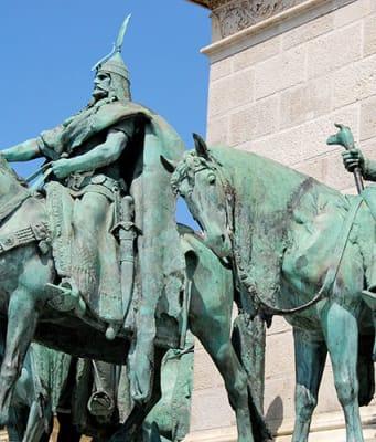 Kahramanlar-Meydani-Budapeste