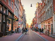 Amsterdamda-Ne-Icilir