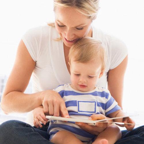 Bebeğinize kitap okumanız için 10 neden