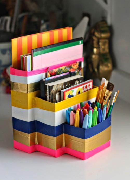 Evdeki işe yaramaz kutularla masaya kalemlik yapalım