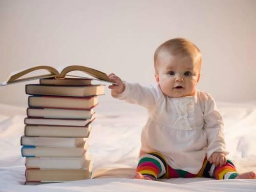 Çocuklara kitap okurken kullanabileceğiniz 6 basit ve eğitici teknik
