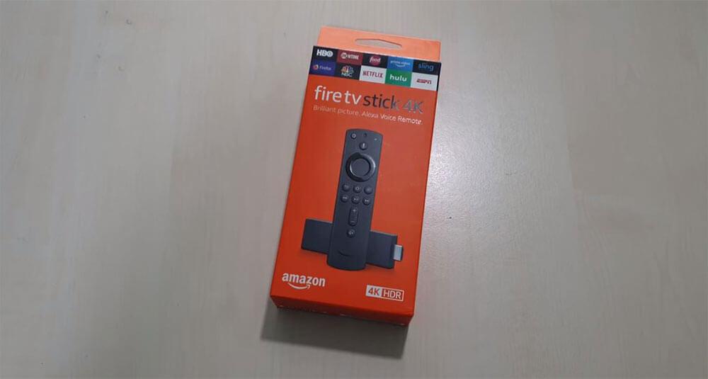 محتويات علبة جهاز Amazon Fire TV Stick 4K