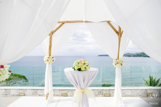 Wedding Arch And Altar For Traditional Wedding Ceremony Decoration