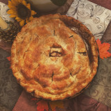 Thanksgiving is celebrating food that sustains us throughout all the seasons of life, and thanking God for the harvest He's given. Honeycrisp Apple Pie! ❤️