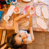 We cooked some bakeries, pressed the dough, we made them tasty and plenty and playful. At home.