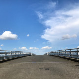 One summer sky4#sky #summer #clouds #s_shot #sora_tg#light #shadow #landscape #nature #railwaybridge #ig_japan #igersjp #PHOS_JAPAN #Lovers_Nippon #art_of_japan_  #worldclassno_edit2 #worldclasssky #tokyo_grapher #loves_sky #ig_today #japan #love #peace#夏空 #雲 #鉄橋 #自然 #風景 #感謝今日は曇り空で涼しかった