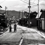Conversation in a country road#country #road #oldpeople #aged #conversation#light #shadow #blackandwhite #bnw #bnw_city #bnw_street #landscape #PHOS_JAPAN #pics_jp #Lovers_Nippon #art_of_japan_  #worldclassno_edit2 #worldclassbnw #ig_worldclub #tokyo_grapher #ig_today #streets_vision #japan #love #peace#老人 #会話 #田舎道 #風景 #感謝*何を話しているんだろう