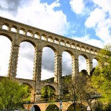 Sunny day in Provence, just passing under this beautiful structure.
