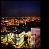 The beautiful night view of Yokohama which is a port town and an ordinance-designated city.