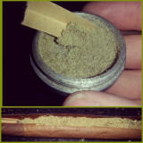 And this ladies and gentlemen, is why you use a 4 piece grinder. #kief #pollen #blunt #medicate #elevated #cloud9