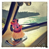 Don't you wish you were here right now instead of at a desk? #hulagirl #vwbus #vintage #surf #relax #kickback #california