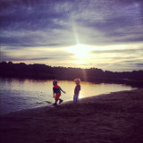 #kids throwing #sand into the #water at the #rusalka #lake in #poznan #poland