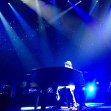 Is there anything he can't do?! #lostatsea #mayerisback #frontrow #paradisevalley  #piano