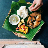 A Filipino Classic: Fried Milkfish, Mango Salad and Rice