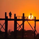 Watch the sunset at Ubein bridge Myanmar (Birma) from a boat