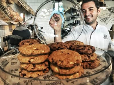 Chef Shows Off Gluten Free Chocolate Chip Cookies