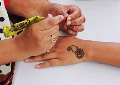 Henna tattoo in progress