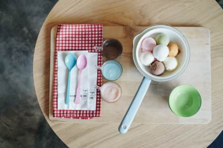 Various ice cream set with dipping sauce