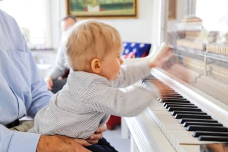 High speed piano player