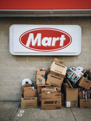 Mart sign and recycle