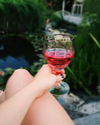 Its a nice day 🍷