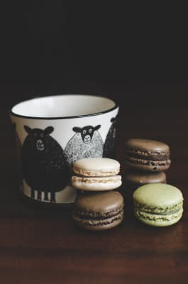 Hot coffee with macaroons