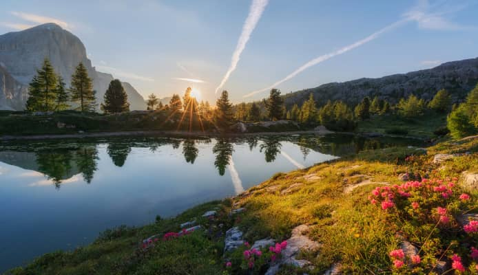Lake limedes is a small alpine lake in the Dolomites mountains that offers beautiful views in all directions.