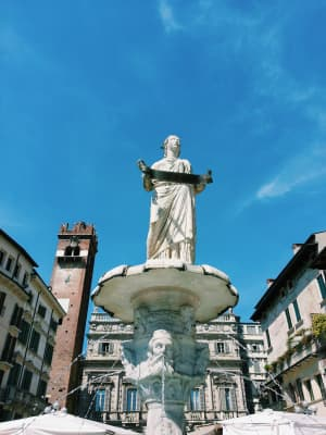 The Fountain and The Goddess, Verona, Italy, cityscape, blue sky, statue, city view, city center, buildings, historical, sunny day