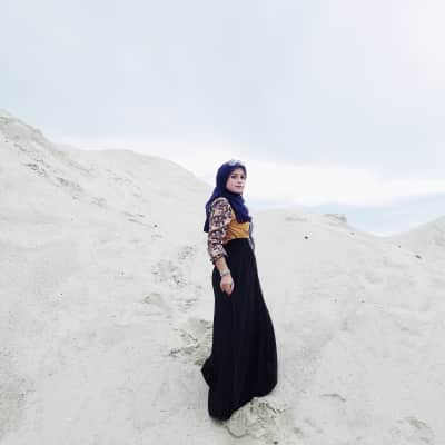 woman and the white sands