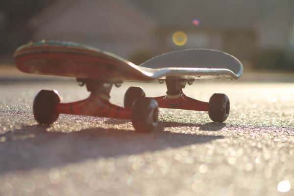 The lonely Skateboard