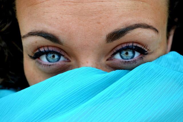 Free authentic blue eyes photo on Reshot