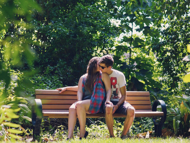 Free authentic dating photo on Reshot