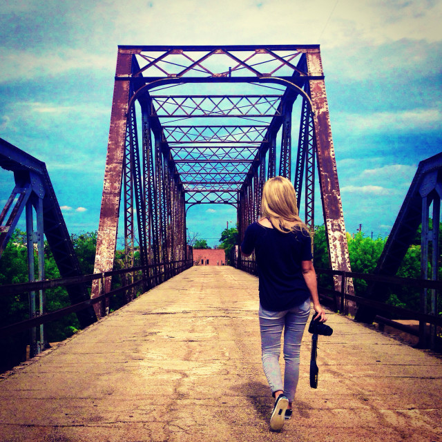 Free authentic crossing photo on Reshot
