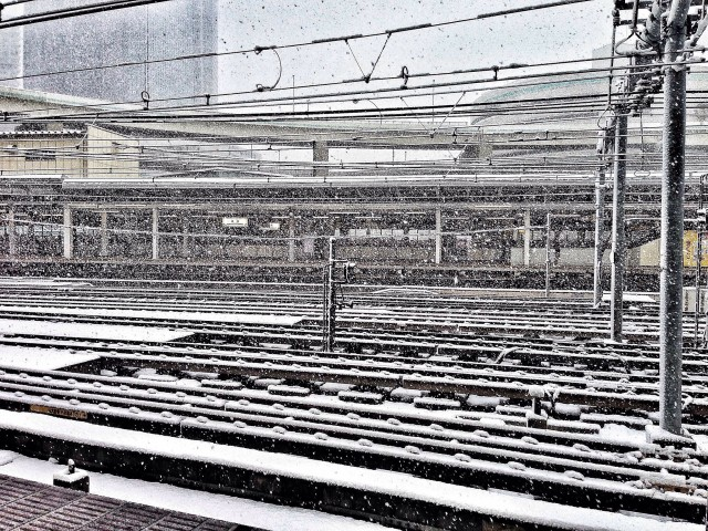 Snowstorm at Yokohama station.