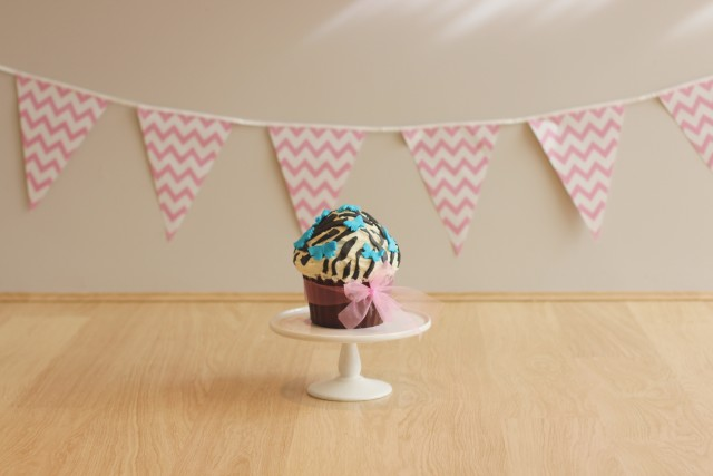 Free authentic cupcake photo on Reshot