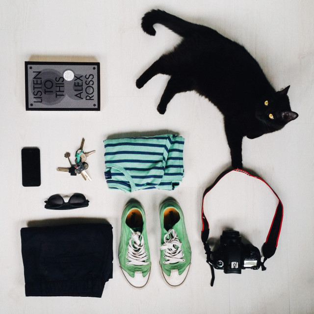 Flat lay items / Shot from above