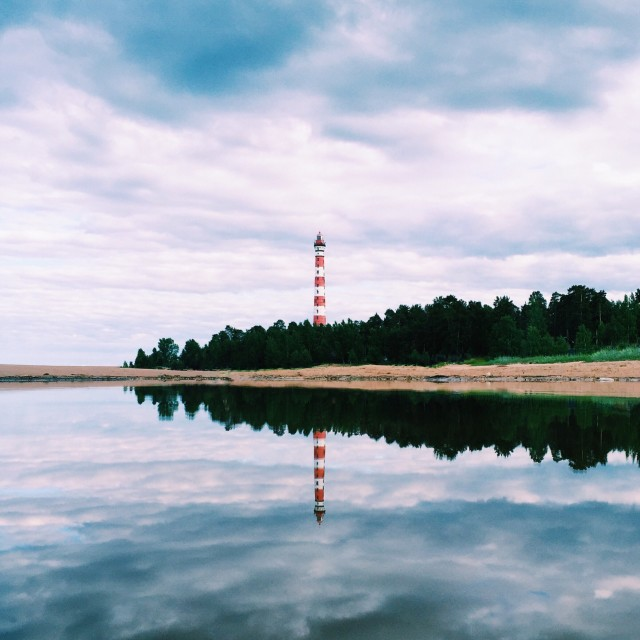 Free authentic lighthouse photo on Reshot